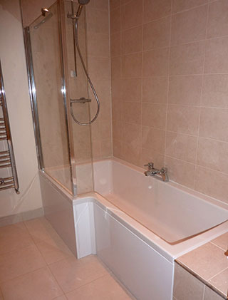 Durham Tiling, Bathroom with ceramic wall and floor tiles